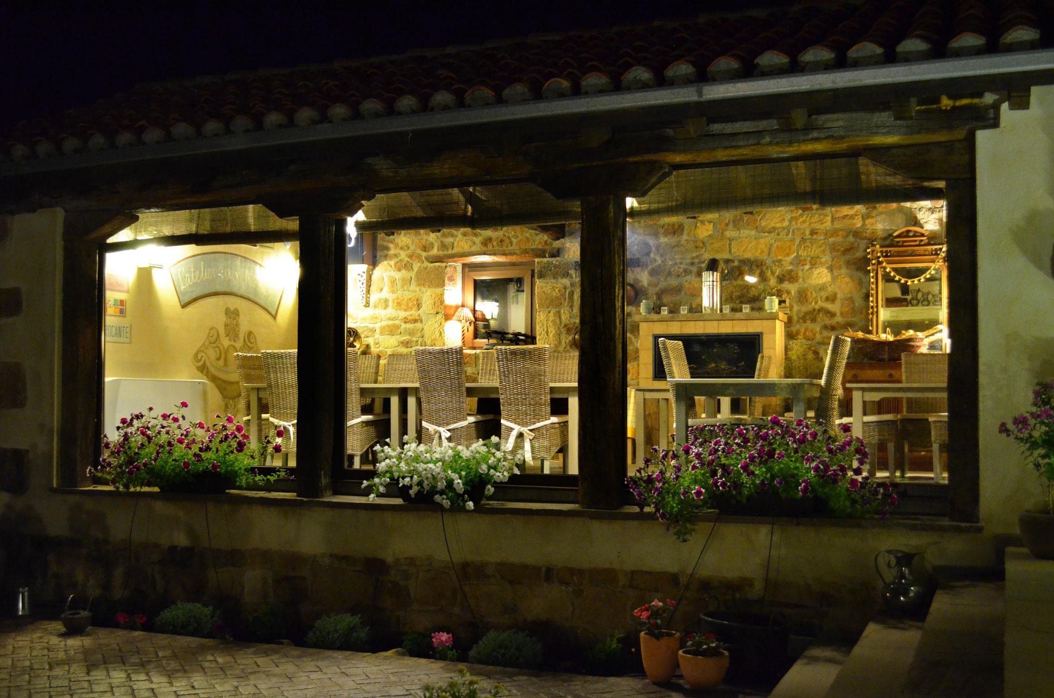 comedor-nocturno-web | Posada rural Lindos Sueños Cantabria
